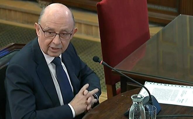 El ministro de Hacienda, Cristóbal Montoro, en su declaración como testigo en el juicio del 1-O