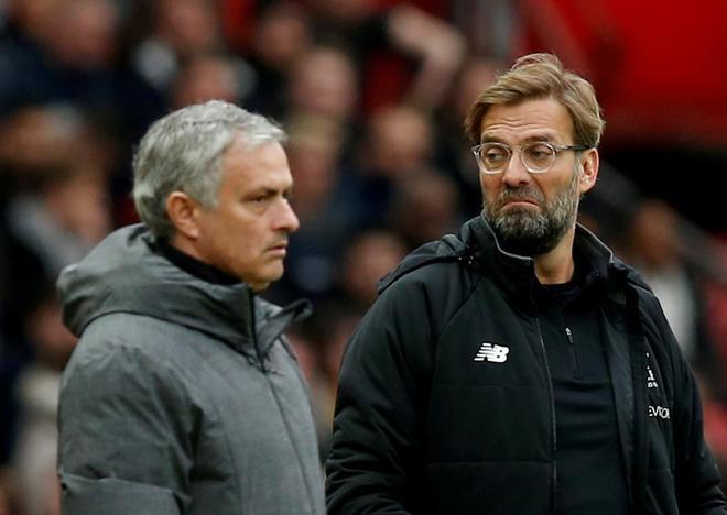 José Mourinho, junto a Jürgen Klopp, en el último United-Liverpool.
