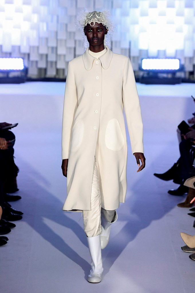 0e4b6b73b5b Paris Fashion Week 2019 - 2020