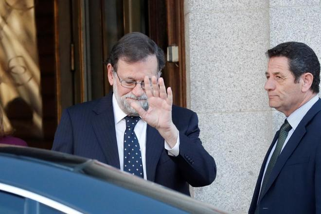 El ex presidente del Gobierno Mariano Rajoy, al salir del Tribunal Supremo, ayer.