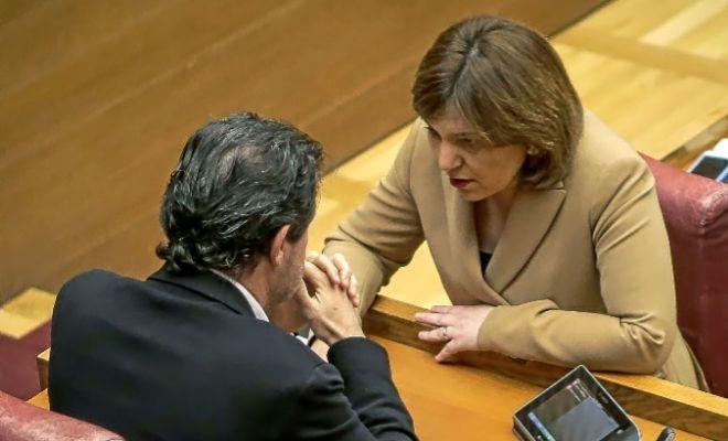 José Císcar e Isabel Bonig, ayer en las Cortes.