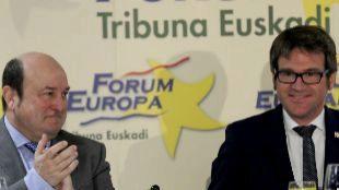 """Urtaran """"no dudaría en repetir"""" su pacto con EH Bildu si Comerón (PP) gana  en Vitoria"""