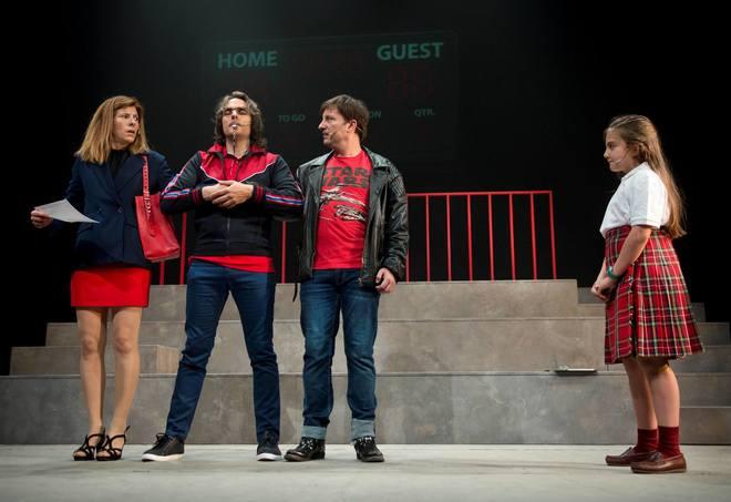 Un momento de la función 'Separeui-vos Junts!' de la Dependent, dirigida por Pepa Miralles. Hoy estarán actuando en el Palau Altea. .