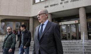 Rodrigo Rato, a su salida de los juzgados de Plaza de Castilla, en abril de 2018.