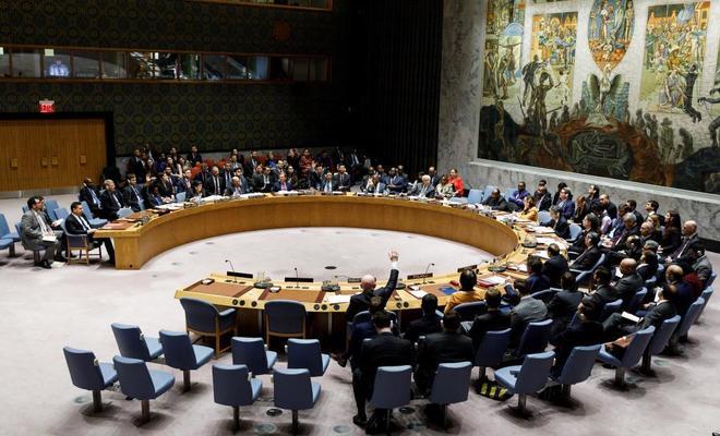 Vassily Nebenzia (c), embajador ruso ante las Naciones Unidas, veta el proyecto.