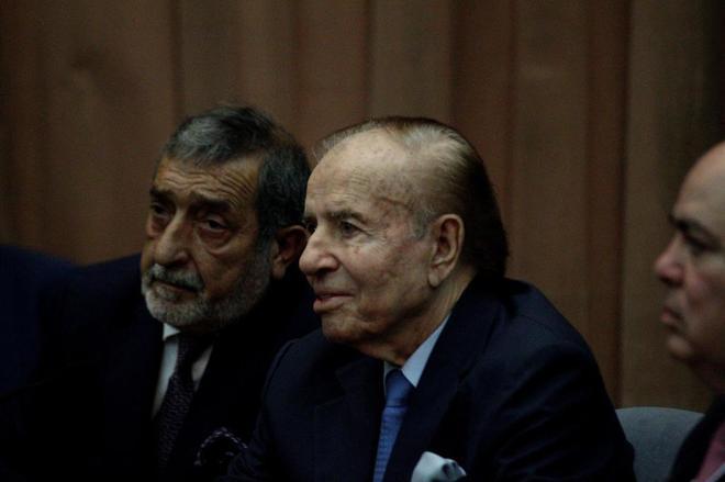 El ex presidente Carlos Menem (1989-1999), ante el tribunal.