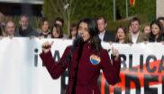 Inés Arrimadas, durante su discurso en el acto frente a la casa de Puigdemont.