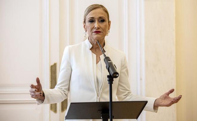 """Cristina Cifuentes pide su """"baja temporal de militancia"""" en el PP"""