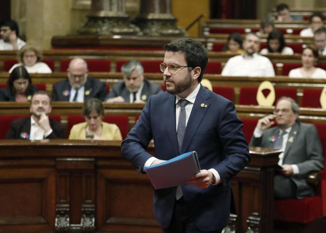 El vicepresidente de la Generalitat, Pere <HIT>Aragonés</HIT>, durante el pleno