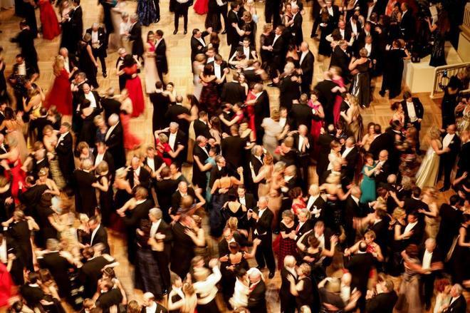 Vista general de los invitados durante la edición número 63 del tradicional Baile de la Ópera, en Viena.