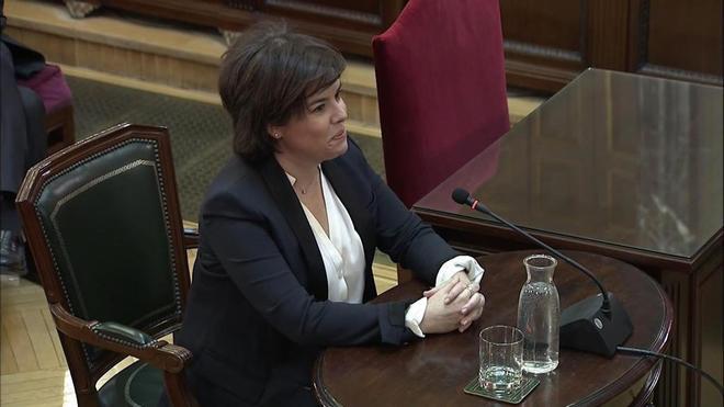 La ex vicepresidenta del gobierno, Soraya Sáenz de Santamaría, durante su declaración en el juicio del 'procés'.