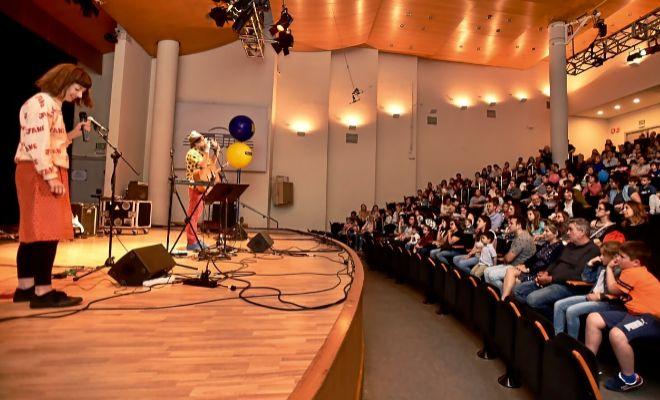 Imagen de un espectáculo para niños en el Palau de la Música de Valencia.
