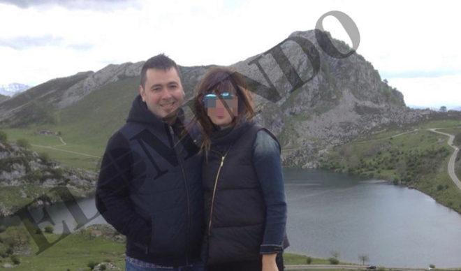 El detenido, Pedro L.N., abraza a su mujer en una imagen en Asturias