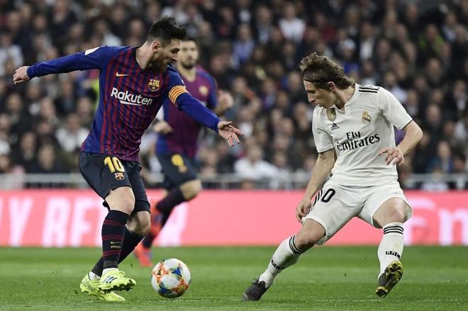 Messi y Modric, durante el partido del pasado miércoles en el Bernabéu.