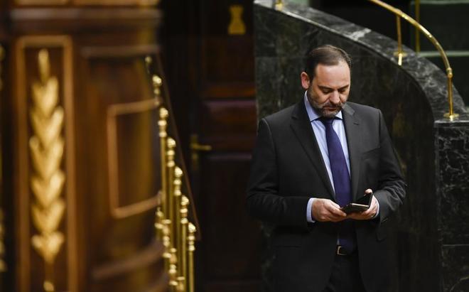 El ministro de Fomento, José Luis Ábalos, en el Congreso de los Diputados.