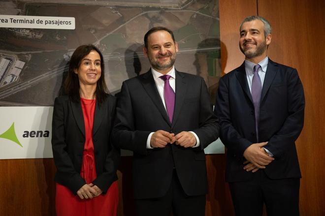 Isabel Pardo de Vera, presidenta de ADIF, José Luis <HIT>Ábalos</HIT>, ministro de Fomento y Mauri Lucena, presidente de AENA.