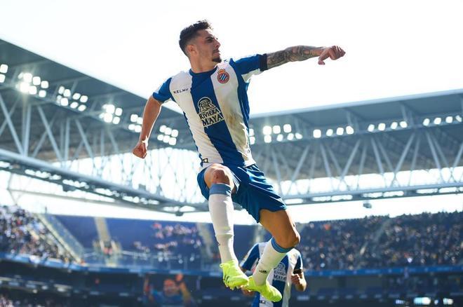 Mario Hermoso celebra un gol, este sábado ante el Valladolid.