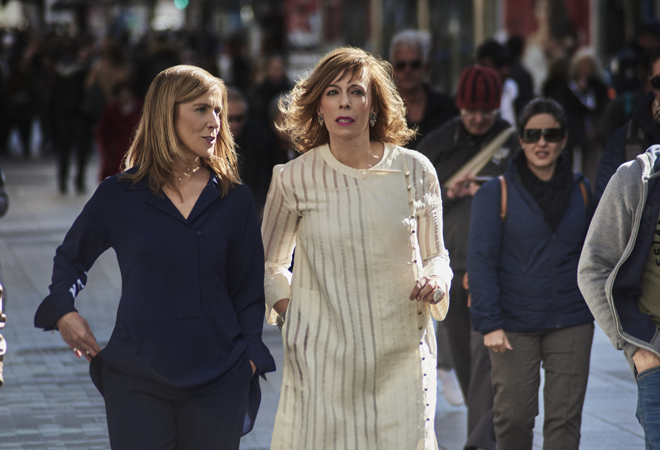 Marieta Jiménez, directora general de Merck España,  y María Eizaguirre. editora de TVE,