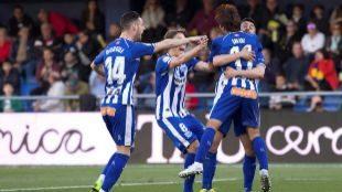 El Alavés se coloca en puestos de Champions y hunde al Villarreal (1-2)