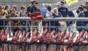 El Aita Mari coloca chalecos salvavidas en la ría por los inmigrantes ahogados