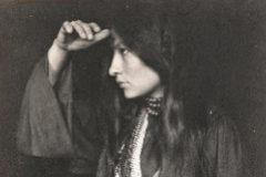 Historias de sioux: Pájaro rojo habla