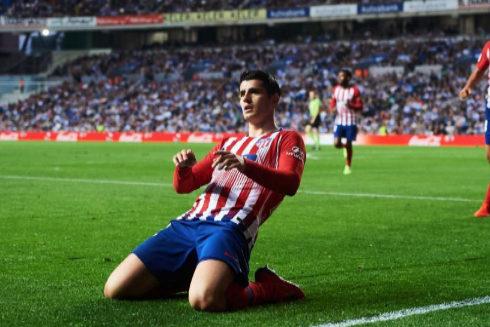 Morata celebra un gol a la Real en Anoeta.
