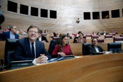 Ximo Puig y Mónica Oltra, en el último pleno de las Cortes.