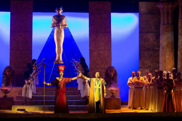 Una Aida con doble resultado