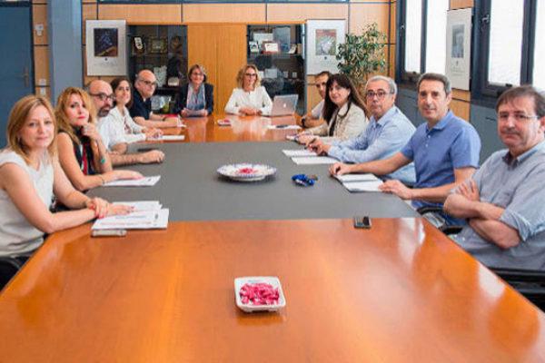 La rectora y el Consejo de Dirección.