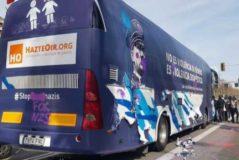 El juez cree que el bus 'antifeminista' está amparado por la libertad de expresión