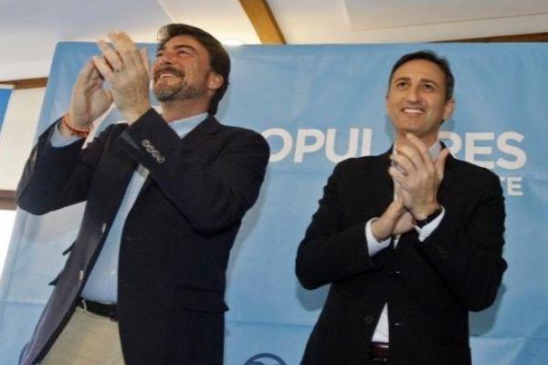 El alcalde Luis Barcala (i) y el presidente de la Diputación, César Sánchez (d)