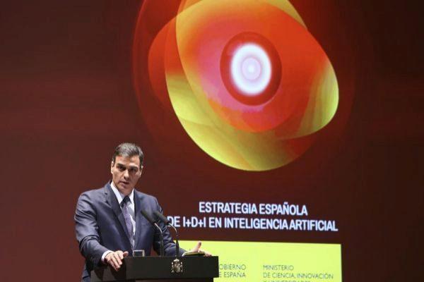 Sánchez rinde las instituciones a su servicio