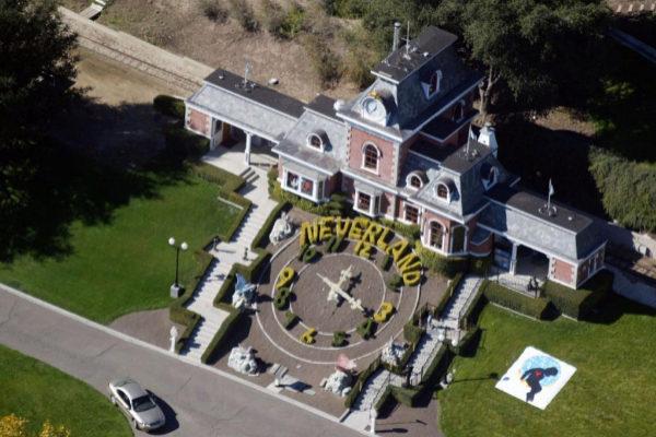 Viata aérea del rancho de Michael Jackson Neverland.