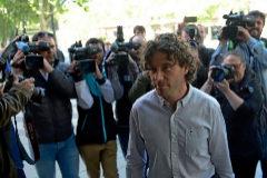 El asesor de Més Jaume Garau a su llegada a los juzgados.