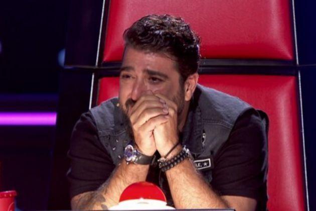 Antonio Orozco no puede contener las lágrimas después de la actuación de Auba Murillo en La Voz