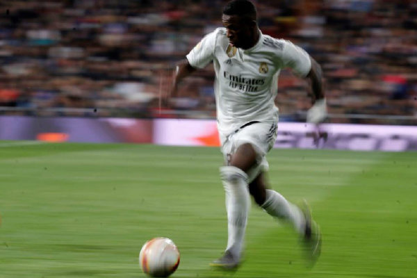 El jugador del Real Madrid Vinicius Jr en un partido en el Bernabéu
