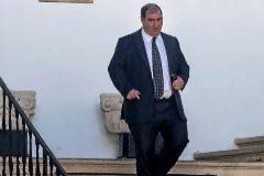 Rodríguez (izquierda) y el fiscal Carrau (escalera).