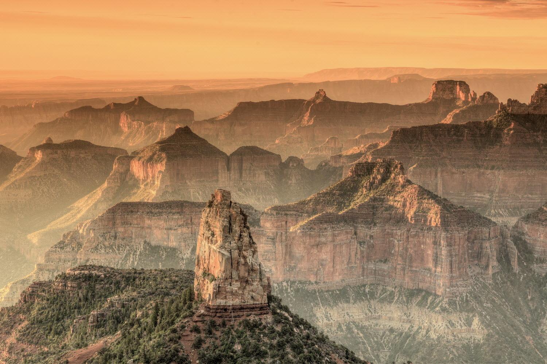 """El <strong>Gran Cañón</strong> acaba de cumplir 100 años como <strong>parque nacional</strong> y, para conmemorarlo, este espacio natural Patrimonio de la Humanidad por la Unesco ha preparado una agenda de eventos a lo largo de todo 2019: exposiciones, cuentacuentos y artesanía de las tribus nativas oriundas de la zona, conferencias, conciertos sinfónicos... Más información en español sobre el parque y el aniversario en <a href=""""https://www.nps.gov/grca/espanol/index.htm"""" target=""""_blank"""">www.nps.gov</a>"""