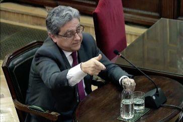 """GRAF8945. MADRID.- Captura de la señal del , del ex delegado del Gobierno Enric <HIT>Millo</HIT>, que ha contradicho a todos los acusados en el juicio del """"procés"""" al manifestar que la Declaración Unilateral de Independencia (DUI) """"no era una broma"""", sino que """"iba en serio"""" hasta el punto de que """"nadie en Cataluña pensó que era simbólica"""", esta mañana durante su declaración en el .-"""