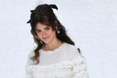Modelo sorpresa en el emotivo último desfile de Karl Lagerfeld para Chanel