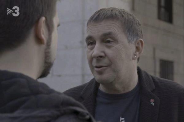 Arnaldo Otegi es entrevistado en el programa 'Quatre gats' de TV3.