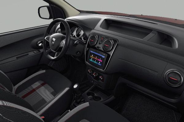 Los Dacia X Plore llegarán a la red de la marca en España en marzo. En otros países tendrán otras denominaciones como Techroad o Ultimate.