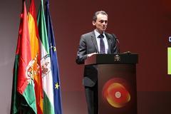 El ministro de Ciencia, Pedro Duque, durante un acto en Granada