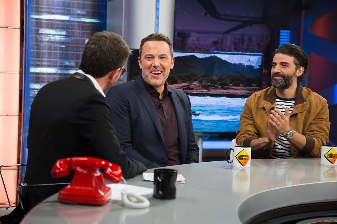 Ben Affleck y Oscar a Isaac visitaron El Hormiguero para presentar la película Triple Frontera (Netflix)