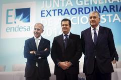 El consejero delegado de Enel, Francesco Starace, el presidente de Endesa, Borja Prado, y el CEO, José Bogas.