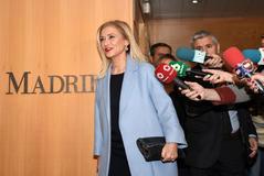 La ex presidenta de la Comunidad de Madrid a su llegada a la Asamblea.