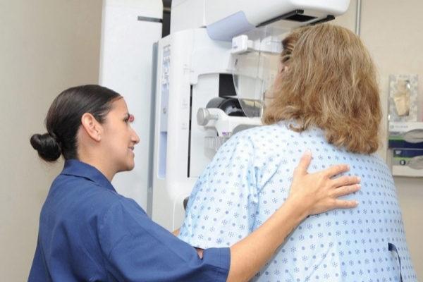 Ya detecta el cáncer de mama con la precisión de un radiólogo