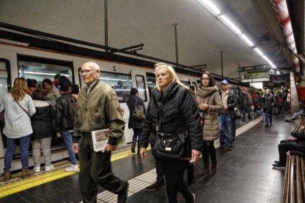<HIT>Barcelona</HIT>, 25 de Febrero de 2019 Primer dia de la huelga del <HIT>metro</HIT> de <HIT>Barcelona</HIT>, coincidiendo con la inauguracion del MWC (Mobile World Congres).
