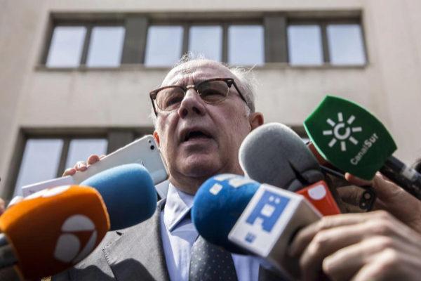 Rodrigo Rato, a la salida de los juzgados de Plaza de Castilla...