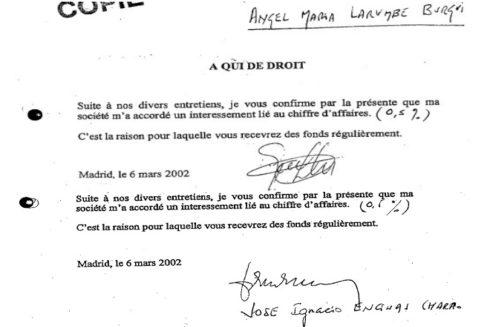 Documentos en los que los jefes de Defex reconocen llevarse un 0,5% cada uno de los contratos.